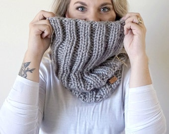 Chunky Knit Ribbed Cowl Neckwarmer || THE TRAVELER || Grey