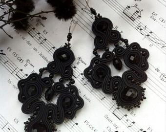 Sutazhnye earrings Gothic