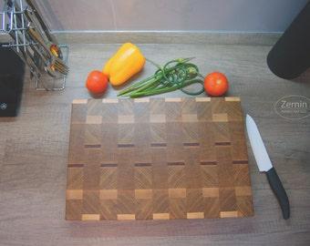 End grain cutting board. Oak end grain cutting board. Sapele end grain cutting board. Professional cutting board. Butcher block.