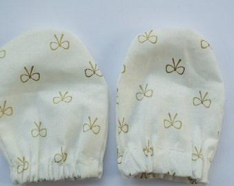 Baby Mittens : Bow Design