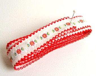 vintage embroidered floral trim, red floral trim, vintage sewing, fabric trim