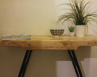 Upcycled pallet and ladder hallway side table
