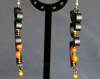 Silicone and orange chips earrings