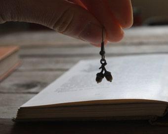 Acorn earrings, woodland jewelry, dangle and drop earrings, oak tree, antique bronze