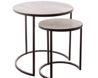 modern sidetable duo, coffee table industrial style, Beistelltische 2er Set, Runde Tischchen aus Hellem Holz und Eisen