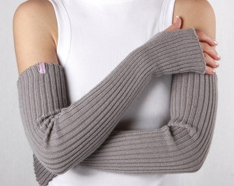 Gray sleeves gloves - long arm warmers
