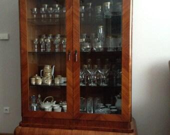 Vintage vitrine