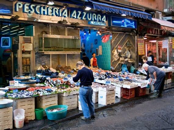Fish market naples italy naples outdoor fish market naples for Bud s fish market