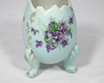 Hand painted Japanese Egg with 3 legs