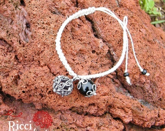 Macrame bracelet with Sardinian and coconut Button