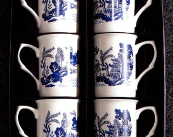 Blue willow pattern Bone china mugs - set of 6 gift boxed 10oz mugs all matching