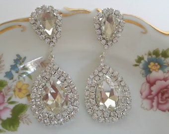 "Swarovski Chandelier Earrings ""She's a Star"", Celebrity Inspired Earrings, Bridal Earrings, Dangling Earrings, Bridesmaid Gift, Rhinestones"