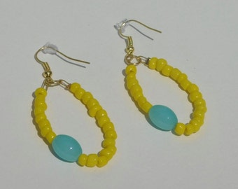 4mm yellow and blue seed bead earrings