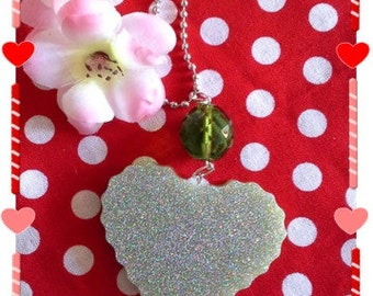 in the heart resin necklace glitter very beautiful green necklace with a microsphere