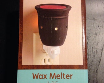 Black plug-in Wax Melter