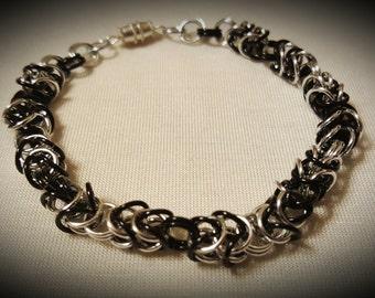 Byzantine Chainmaille Bracelet - Black/Silver