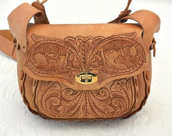 """50% OFF w/COUPON CODE """"NIFTY50"""" - Vintage Tooled-Leather Shoulder Bag in Mint Condition"""