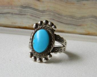 Vintage Robins Egg Blue Turquoise Sterling Silver Ring -  Southwestern Persian Blue Turquoise Sterling Silver Ring - Vintage Retro