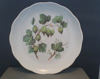 Vohenstrauss Johann Seltmann Decorative Salad Plate with Gooseberries Bavaria Germany