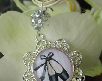 NECKLACE FILIGREE cabochon slippers dancer