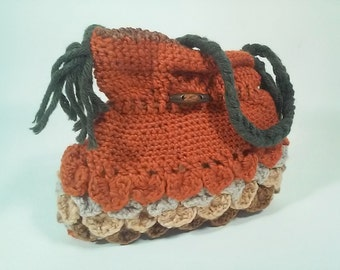 Crochet wool shoulder bag