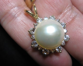 mabe pearl and diamond pendant
