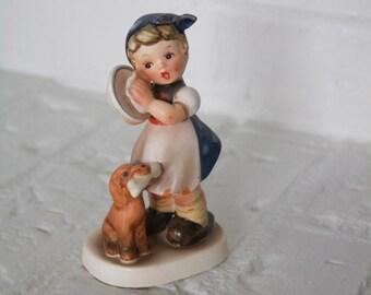 "Vintage Napco ""Dishwasher"" Figurine"