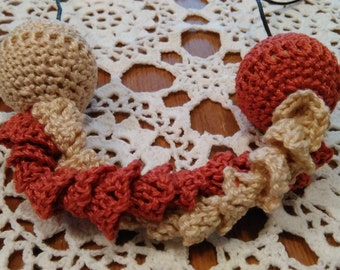 Romantic crocheted necklace