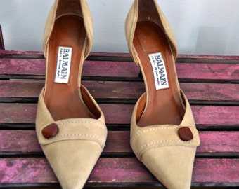 Balmain Paris womens pumps suede beige stiletto pumps designer shoes pointy toes size 38 US 7 1/2 vintage 90s