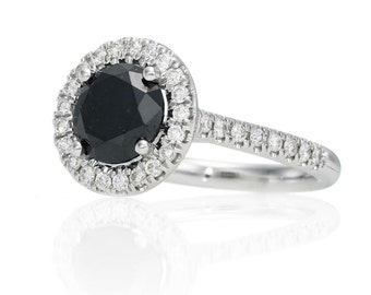 With central Diamond 14 k gold ring black 3.00 CT