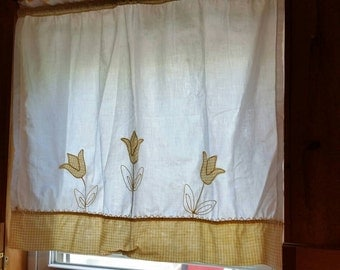 Vintage curtains. Embroidered,  gingham tulips. 2 panels