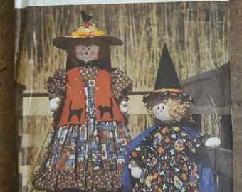 Simplicity Crafts 8384 Pattern Faith Van Zanten Witch & Scarecrow with Clothes