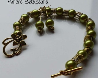 Stunning Bracelet and Matching Earrings, Olive Green Lustre Glass Pearls, Swarovski Crystals and Pearls