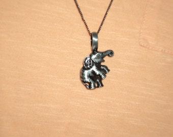 baby elephant necklace soo cute