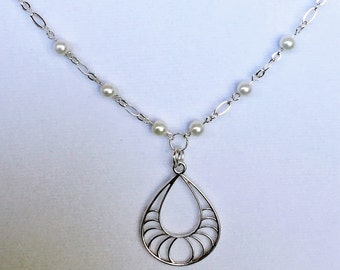 Silver and pearl pendant