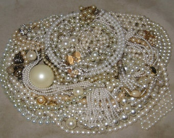 1 1/2 Lbs Mixed Vintage To Now Junk Jewelry Lot Craft Repair Faux Pearl Lot 28