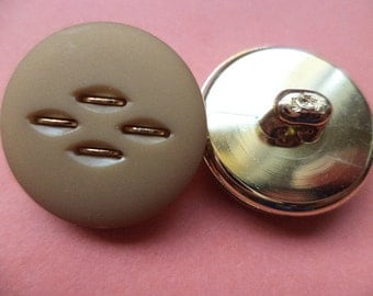 9 light brown buttons 21mm (2893) button