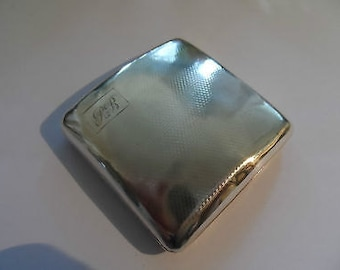 Beautiful Heavy Vintage Solid Silver Cigarette Case with patterning on both sides c1932