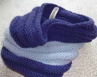 a snood light blue and dark blue, height 30cm and 25cm diameter