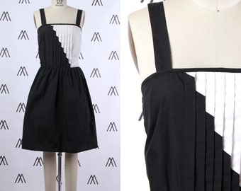 1960s Mod Black and White Color Block Sleeveless Mini Dress