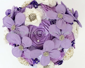 Brooch bridal bouquet