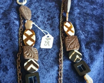 Wooden beads and chains