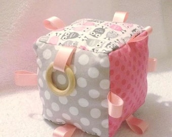 Taggie Cube - Pink Owls