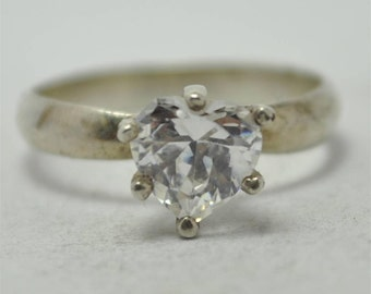 T19F03 Vintage Modernist Styl Clear Heart Shaped Stone 925 Sterling Silver Ring Sz 6