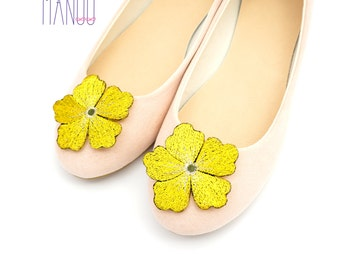 Yellow flowers - shoe clips Manuu