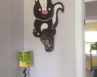 Hook / wall Keychain in the shape of Skunk