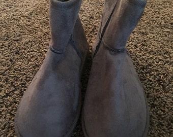 Grey FUZZY boot