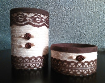 Set of 2 decorated boxes