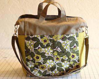Green Reversible 12 Pocket Tote Bag in Organic Cotton