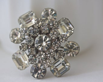 Vintage Rhinestone Brooch, Rhinestone Pin, Round Brooch, Wedding Brooch, Bridal Brooch, Bridal Jewelry, Wedding Jewelry, Mid Century Brooch